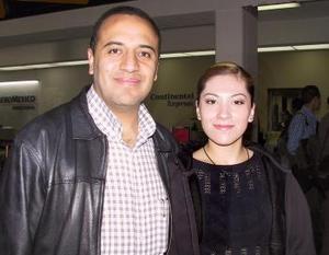 Saulo Alarcón y Aída Victoria López viajaron con destino al Distrito Federal.