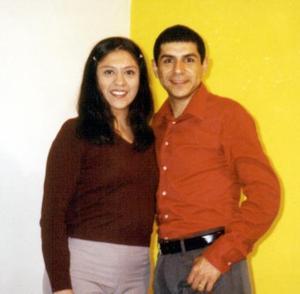Javo Banda y Verónica Muñoz maestros de la escuela de danza Fernando Valdez viajaron a Buenos Aires Argentina a participar en un concurso de Tango.