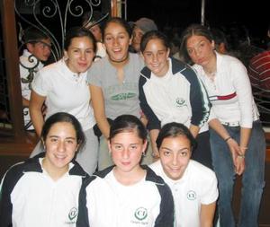 Lila Hoyos, Gretchen Campuzano, Cristina E., Maribel Tumoine, Mónica Medera, Cecy Royo y Andrea Escalante.