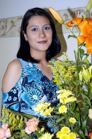Brenda Celeste Cortés Chávez captada en su despedida de soltera.