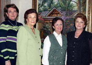 Consuelo de Macías, Chelito de González, Alicia de Fernández y Cecilia de Iriarte.