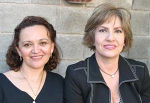 Rosario de Morales y María del Carmen Ramírez.