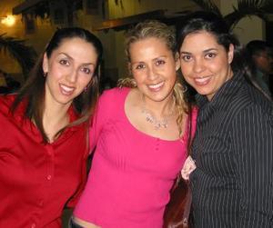 Claudia Aguilera , Cristina Maturino y María Elena López