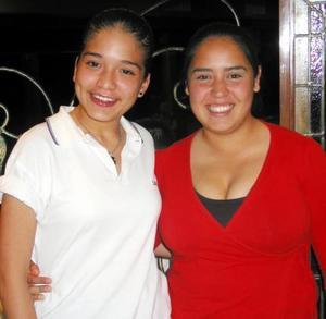 m Carolina Flores y Rith Wong.