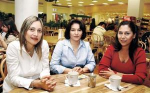 Mónica Marmolejo de Córdova, Claudia Marmolejo de Valdés y María Marmolejo.