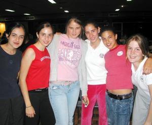 Adelina Pérez, Ana Cecy Martín, Dennise Papadópulos, Iza Zambrano, Lety Cepeda e Isabel Negrete.