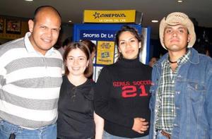 Omar González, Anel Posada, Celia Pisaña y Arturo Marrufo.