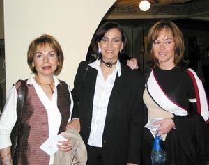 Jenny de Alvarado, Margarita de Díaz y Lorena Noriega.