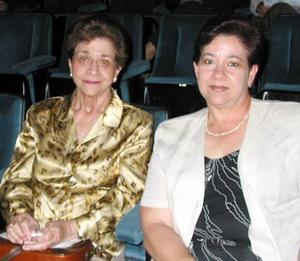 <u><b>18 de marzo </u> </b> <p> Señoras Ana María Soberón de Fernández y Ana María Fernández de Fernández.