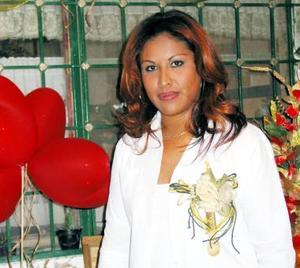 Norma Chavarría Soto, captada en su despedida de soltera.