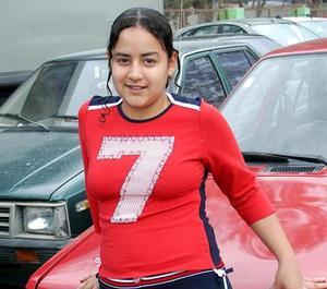 Señorita Yadira Núñez, captada en pasado festejo social.