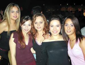 Marcela Castillo, Gilda Berrueno, Julia Salazar, Myrna Hoyos y Sonia García.