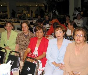 Rebeca Martínez, Josefina Martínez, Francisca Aguilar, Adela Aguilar y Esperanza Aguilar.