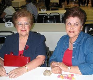 <b><u>22 de marzo </b></u><p> Rosa María de Vega y Conchita Anzures de Arias.