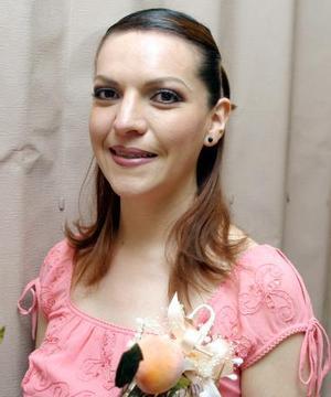 Mónica Ríos  fue fue despedida de su soltería.