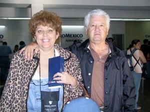 <b> <u> 22 de marzo </u></b> <p>  Gabriela de Origel viajó a Túnez y fue despedida por Adolfo Origel.