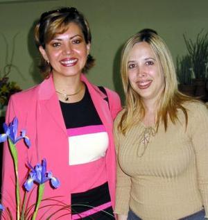 Lucy de Ramos y Maru de Giacomán.