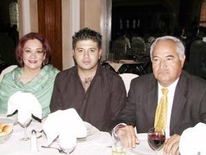 <b><u>24 de marzo </b><u><p> Silvia Rincón, Silvestre Santos y Juan Esdras.