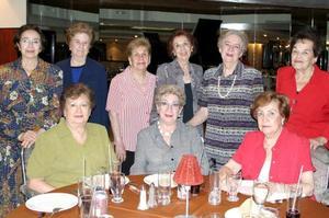 Amelia Lugo de Boehringer celebró su cumpleaños con una amena reunión acompañada de sus amigas Tere, Elia, Raquel, Paty, Dora,. Lety y Elena.