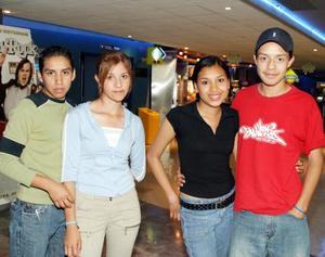 <u><b>24 de marzo </u> </b> <p> Robert Rosales, Elena Sánchez, Gisela Alvarado y Jesús Pérez.