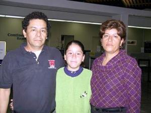 A Tampico viajó Gerardo Chávez y fue despedido por Irma y Mariana Chávez