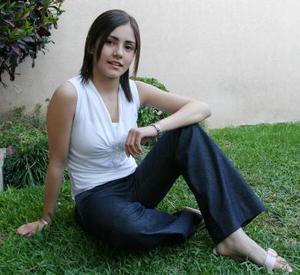 Mariana Flores <p> Colegio: Inglés <p> Grado: Segundo de secundaria <p> Edad: 14 años