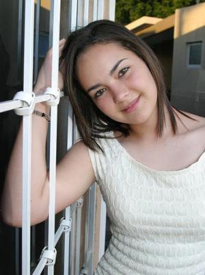 Angela Campuzano  <p> Colegio: Preparatoria TEC <p> Grado: Primero de preparatoria <p> Edad: 16 años