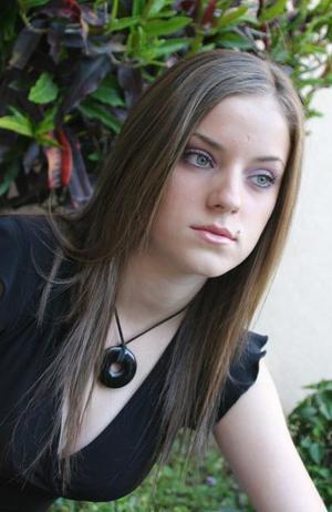 Mariana Bohigas <p> Colegio: Los Ángeles <p> Grado: Primero de preparatoria  <p> Edad: 16 años