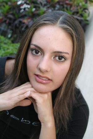Mary Carmen Garrido <p> Colegio: Preparatoria TEC <p> Grado: Primero de preparatoria  <p> Edad: 15 años