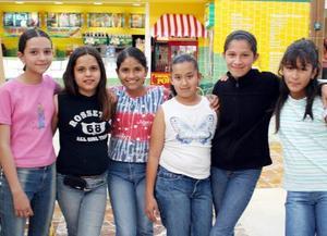 Alicia Samaniego, Salma Córdova, Janet Rodríguez, Ana Córdova, Sarahí Ibáñez y Melissa Meléndez