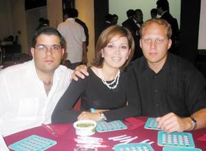 Jacobo Issa Tueme, Diana Rubio de Hernández y Édgar Hernández.
