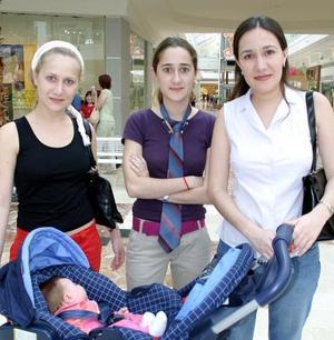 Mariana Fernández, Mónica Fernández de Garza y Adriana Fernández de Pámanes.