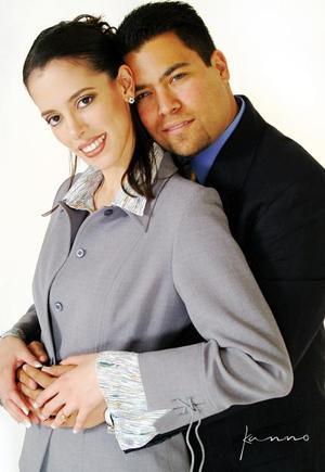Adrián Martínez Morales y Claudia Verónica Herrera Martínez contrajeron matrimonio el 27 de marzo de 2004