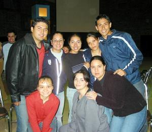 Claudia Holguín, Elena  Alferez, Neri Alonso, Mara Montaño, Jesús Aldama, Diana Braña, María Elena Montes y Carlos Reyes.