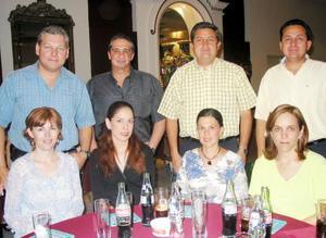 Ernesto Sosa y Sra, Jesús Barrera y Sra, Benjamín Tumoine y Sra, Víctor Tumoine y Sra.
