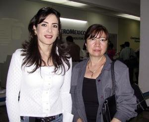 <b> <u> 26 de marzo </u></b> <p>I  Ivonne de León y Lupita León viajaron al DIstrito Federal por asuntos de negocios.