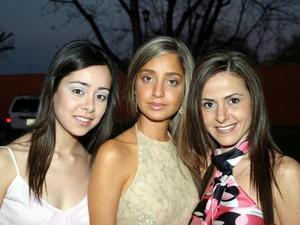 Margarita Dueñes, Andrea Valencia y Gabriela Montaño.
