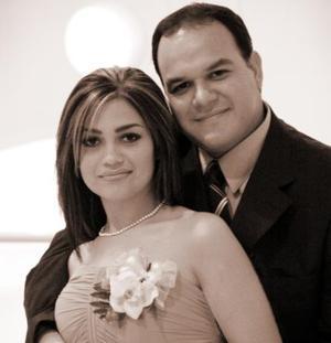 CP Oswaldo Vizcarra y LDG Nora Alba Acosta efectuaron su presentación religiosa en la parroquia de San Pedro Apóstol el viernes 12 de marzo de 2004.