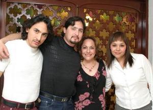 Margarita Soto festejó su cumpleaños con un grato convivio organizado por sus hijos, Amin, Juan , Ruy Alfredo y Yelile Dipp Soto.