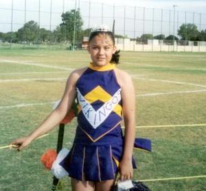 Azucena Acevedo Muñoz reina de la porra del equipo Vikingos del Club San Isidro.