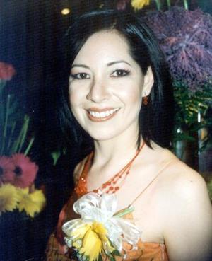 <b><u>28 de marzo </b></u><p> M.C. Ada Sonia Flores Rincón en su primera despedida de soltera, contraerá matrimonio con el Ing. Miguel Ángel Vera Urista.