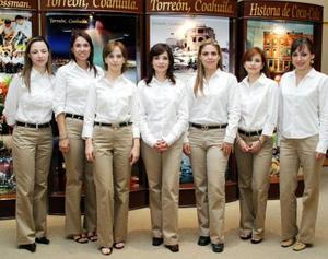 María Elena Docoulombier, Griselda Macías, Valeria Gómez, Alejandra Silveyra, Carmen María Sánchez, María Ocayo y Eda Monroy.