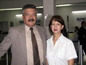 <b> <u> 28 de marzo </u></b> <p> Alfredo Méndez viajó a México y fue despedido por María Elena de Méndez.