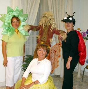 <b><u>29 de marzo </b><u><p> Vero de Bañuelos, Lili de Amador y Chayito de Goray representando la Primavera.