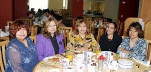 Hortensia Amador de Polendo, Juanita Amador, Yolanda Anadir de Simental, Alicia Amador de Ibarra y Mary Amador de Rentería