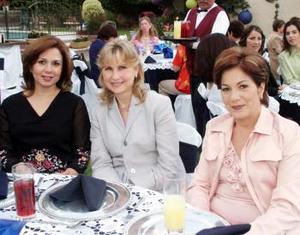 Malu Arriaga de López, Laura de Berlanga y Ángeles de Jaidar.