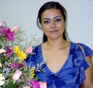 <b><u>29 de marzo </b></u><p> Monserrat Gallegos, captada en una de las despedidas de soltera que le organizaron por su próxima boda.