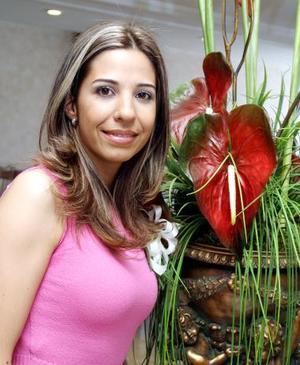<b><u>30 de marzo </b></u><p>  Jessica Evaristo, lució bella en su primera despedida de soltera