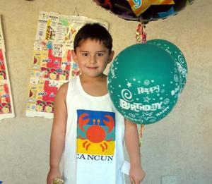 Daniel Omar Campos Esqueda festejó su cumpleaños con un divertido convivio que le ofrecieron.