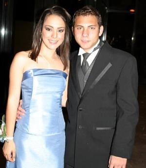 Sofía Fernández del Colegio Los Ángeles junto a su acompañante David Villarreal